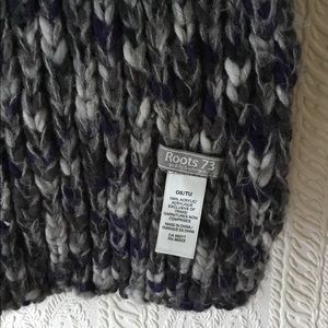 Roots 73 winter scarf
